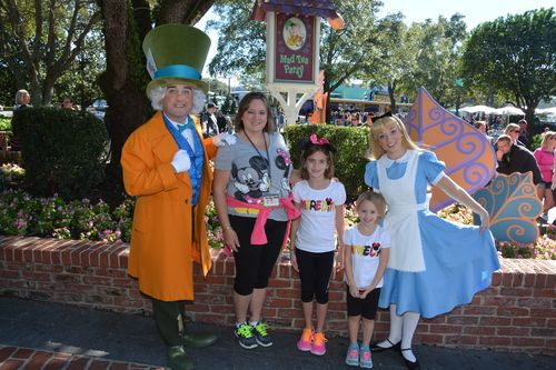 PhotoPass_Visiting_Magic_Kingdom_Park_7527570936